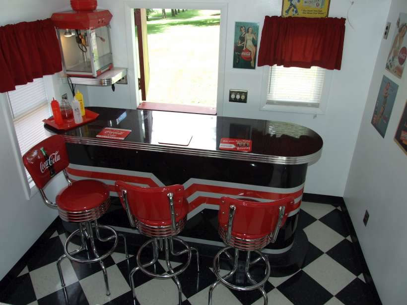 Retro Tables, Retro Chairs, Retro Bar, 1950s Bar, Restaurant Bar, Business