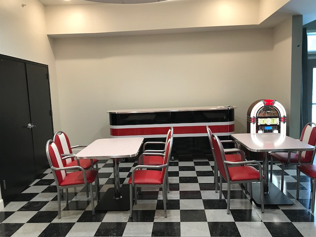 Retro Tables, Retro Chairs, Retro Bar,    1950s Bar, Restaurant Bar, Business Bars, Countertops, Retro Bar Tops